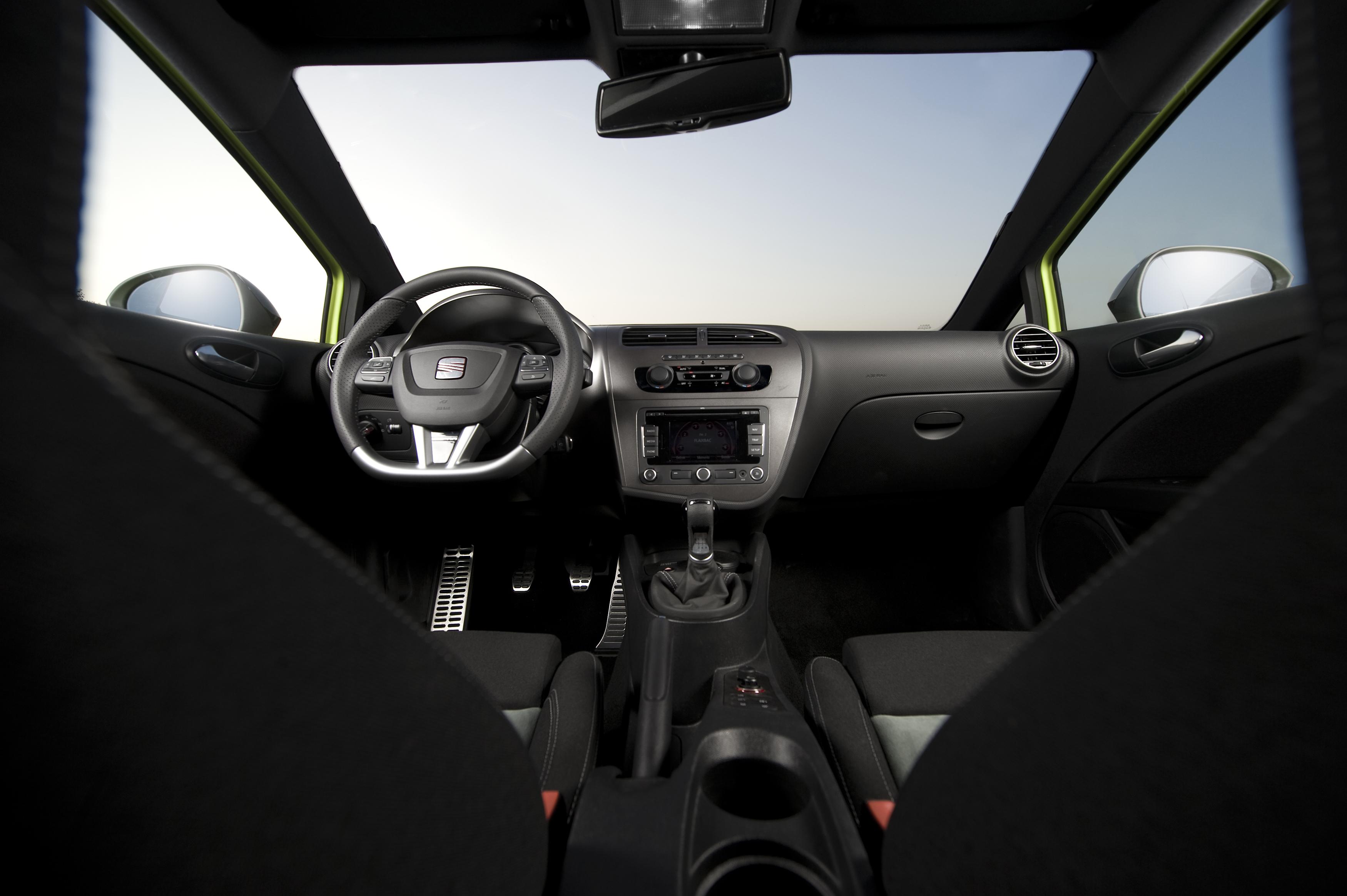 Seat le n cupra r spanish for we wannadrive wannadrive for Seat ibiza cupra interior